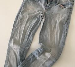 svijetlo plavi jeans benetton s