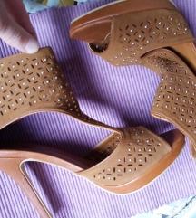Perforirane sandale, nove 39