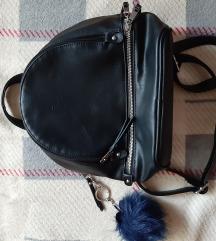 Ruksak torbica uključena pt