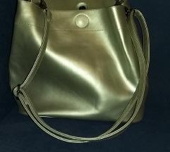 Prodajem srebrnu torbu