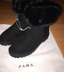 Zara ''Ugg'' gležnjače/buce