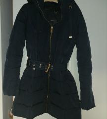 Zara zimska jakna s kapuljacom