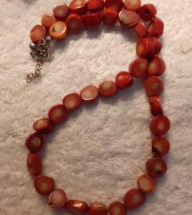 Koraljna kraca ogrlica