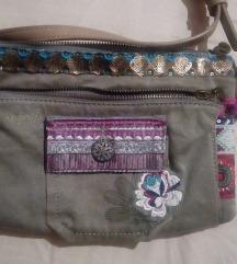 Desigual torbica (poštarina uključena)