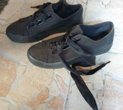 Crne tenisice/cipele