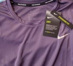 Nova Nike sportska majica