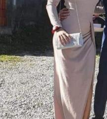 Duga haljina sa prorezom