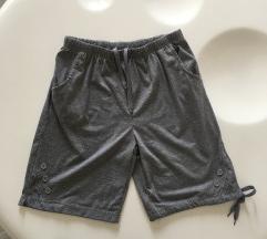 Nove sive kratke hlače XL