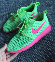Nike roshe run 36