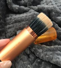 Real techniques retractable brush
