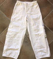 Bijele Cargo hlače