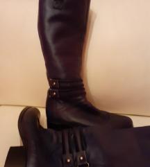 Paar tamno plave čizme