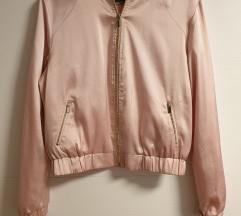 Svilenkasta jaknica