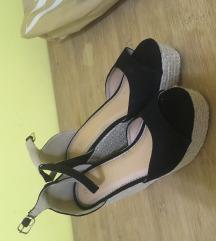 Crne sandale puna peta