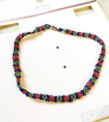 ogrlica od sitnih perli