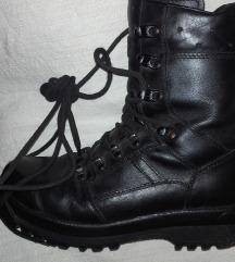 Vojne cizme vel. 40