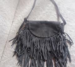 Siva torbica s resicma