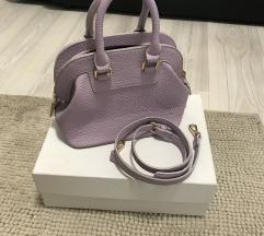 Mala torbica lila boje