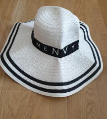 Novi Envy Room šešir