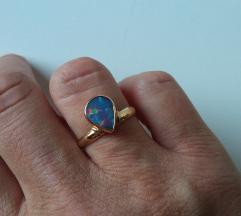 Zlatni prsten sa opalom ručni rad