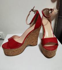 Crvene visoke sandale