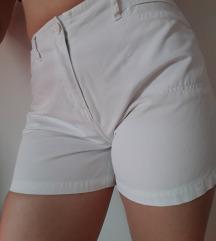 Bijele hlače