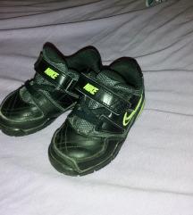 Nike kozne tenisice 22