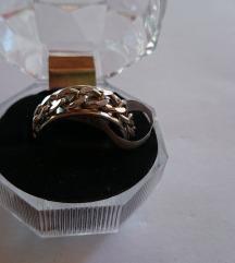 Goth prsten s kutijicom