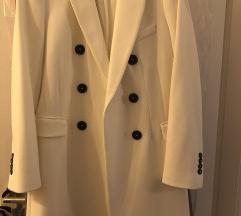 Zara bijeli kaput