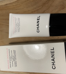 Chanel mousse