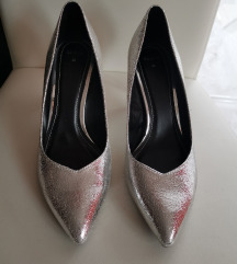 metalik srebrne cipele na petu