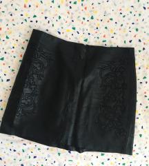 Crna kožna suknja