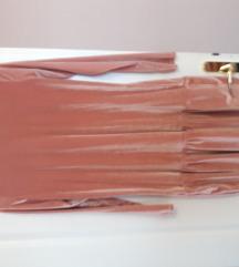 Prljavo roza pliš haljina