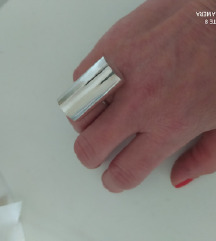 Srebrni unikatni prsten