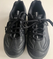 WALKMAXX crne tenisice