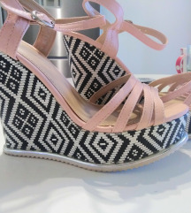 Ljetne sandale puna peta 39
