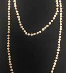 Duga bijela biserna ogrlica