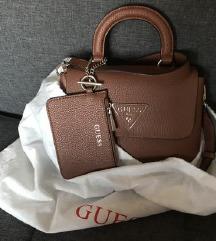 GUESS smeđa torbica s novčanikom
