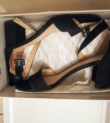Kozne sandale na blok petu