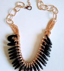 Ogrlica u crno zlatnom tonu