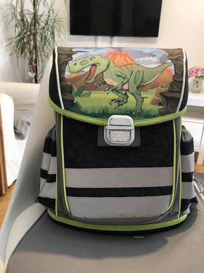 Školska torba %%% 70 kn