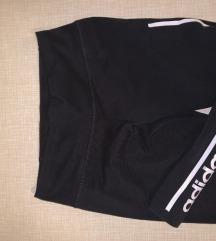 Snizeno NOVO Adidas crne tajice