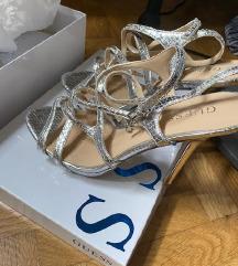 original GUESS srebrne sandale 39