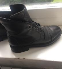 Crne čizme za kišu