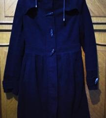 Crni zimski kaput