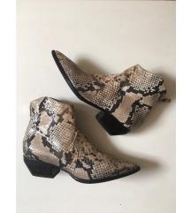 Elena Iachi čizme gležnjače 37