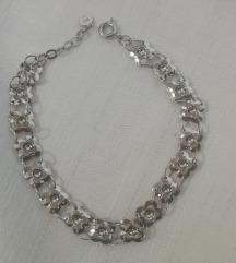 Slatka, srebrna narukvica - motiv cvjetića (S925)