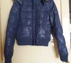 Ljubičasta zimska jakna sa krznom S-M