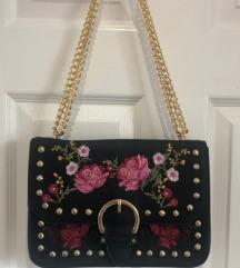 Stradivarius cvjetna torbica