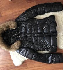 Zara crna jakna